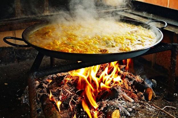 Receta de Paella Mixta, los sabores de la tierra y el mar